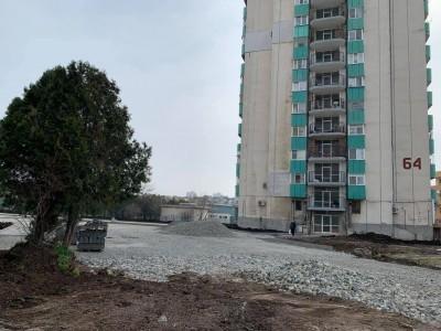 "Благоустрояват района около бл. 62-64 в ""Изгрев"" по програма"
