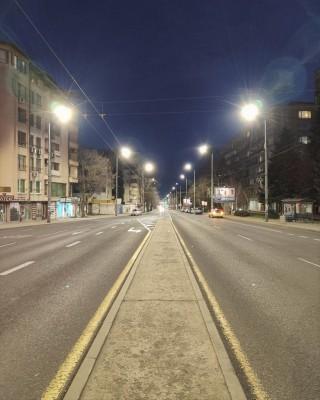 Започва модернизация на уличното осветление в още две зони на Бургас