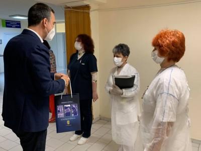 Кметът Димитър Николов поздрави всички бургаски медици по случай професионалния им празник