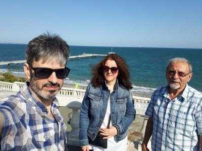 Изкуството като духовна обител - след 14 години Венелин, Ева и Фоти Фотеви отново ни срещат с таланта си в Бургас