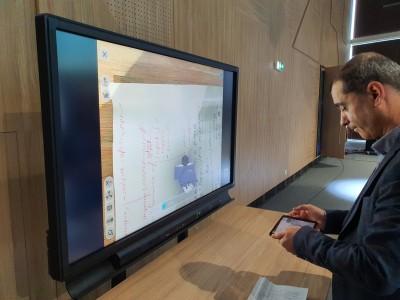 """Световният лидер във виртуалната реалност EON Reality и университет """"Проф. д-р Асен Златаров"""" внедряват първата XR лаборатория в България (ВИДЕО)"""