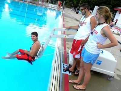 Хора с увреждания ще спорят за отличията по плуване, вдигане на тежести и бадминтон на държавен турнир в Бургас