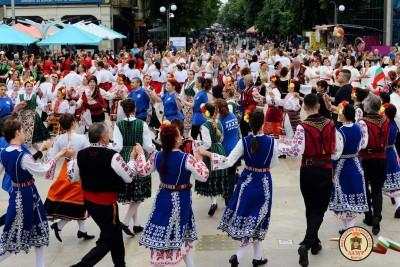 """28 фолклорни клуба ще вземат участие в 6-то издание на  фестивала """"Хоро край лазурния бряг"""""""