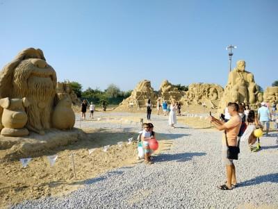 Ще видим Хари Потър, Гъмбол, Спондж Боб и Алиса в новото издание на Фестивала на пясъчните скулптури