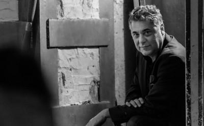 """Майсторът на високата сатира Алек Попов представя романа си """"Мисия Туран"""" в Бургас  на 9 юли"""