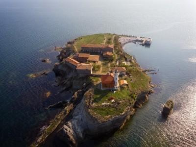 С тридневни тържества остров Света Анастасия ще отбележисвоя празник