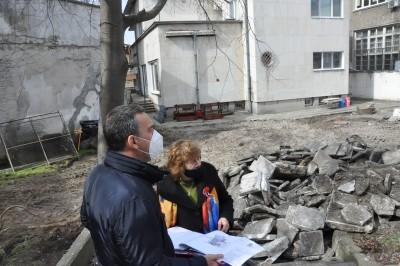 Започна цялостното обновяване на площадките в 10 бургаски детски заведения