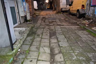 """Днес ремонтът на ул. """"Климент Охридски"""" започва с подмяна на старите тръби"""