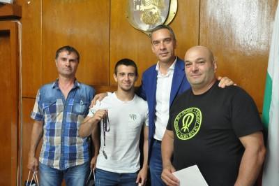 Димитър Николов поздрави Ердал Галип за успеха на Европейското първенство за момчета
