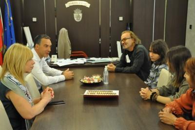Психиатърът и продуцент Илиян Иванов се срещна с кмета, преди прожекцията на номинирания за Оскар филм на Международния филмов фестивал