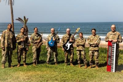 """Група """"Free Groove"""" към Армейския оркестър на въоръжените сили на САЩ в Европа изнася концерт във"""