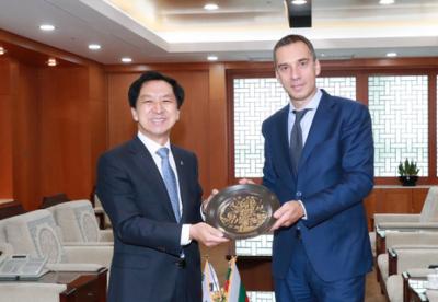Бургас и корейският град Улсан подписват споразумение за побратимяване