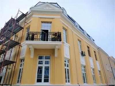 Знакова бургаска сграда връща стария си блясък