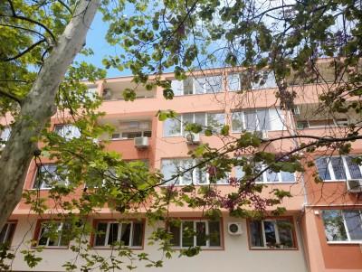 Санираха поредна многофамилна жилищна сграда в Бургас
