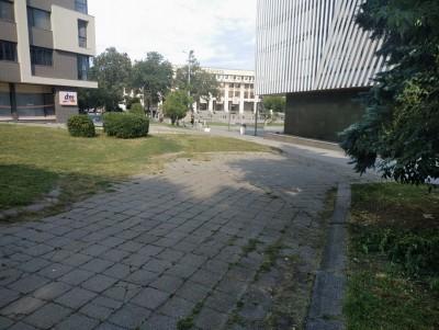 """Благоустрояват пространството между НХК и ул. """"Левски"""""""