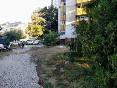 """Благоустрояват района около бл.29 в """"Зорница"""" по програма"""