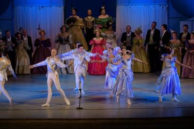 Бургаската опера представя блестяща Щраус гала на Летния театър