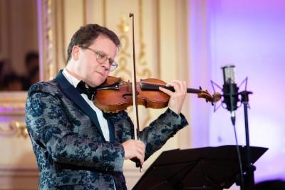 Виртуозният цигулар Веско Ешкенази споделя своите музи в юбилеен концерт на 12 юли в Бургас
